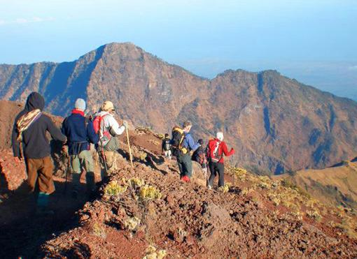 Ascension du Mont Rinjani avec Azimuth Adventure Travel .Ltd