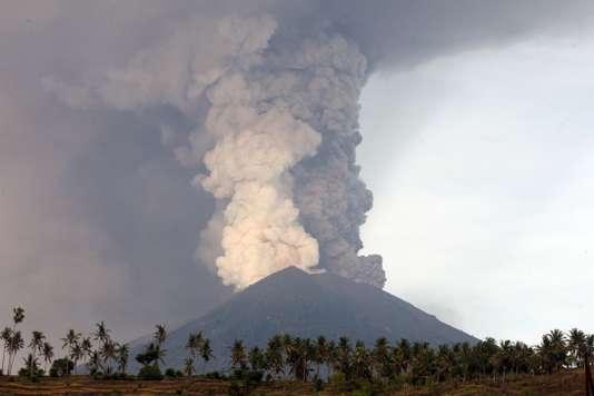 Éruption volcan Agung