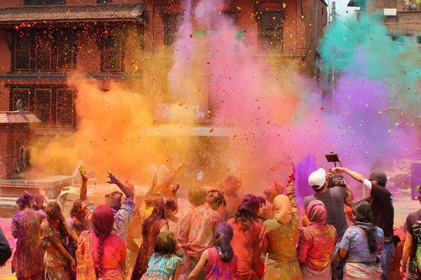 Voyager en Inde pendant la Holi : comment s'y préparer ?